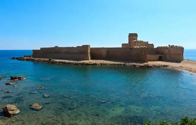 Spiaggia Le Castella in provincia di Crotone